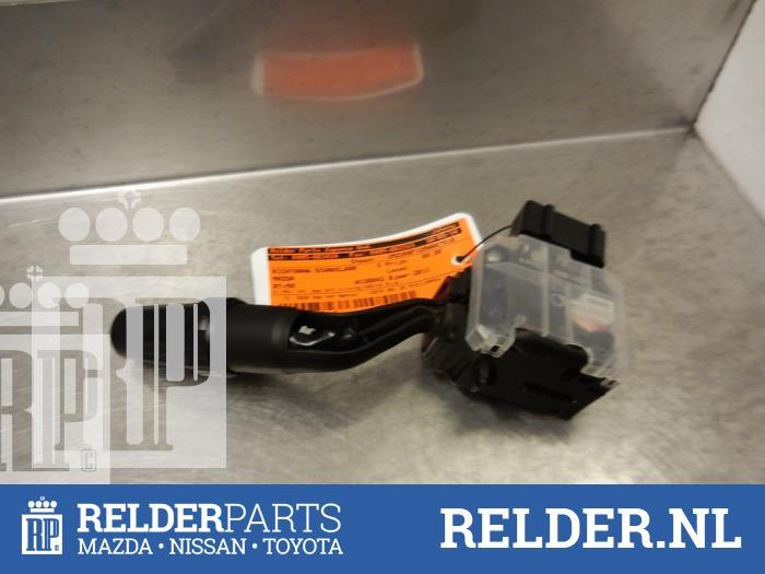 Mazda BT-50 2.5 Di 16V 4x4 2011 Richtingaanwijzer Schakelaar (klik op de afbeelding voor de volgende foto)
