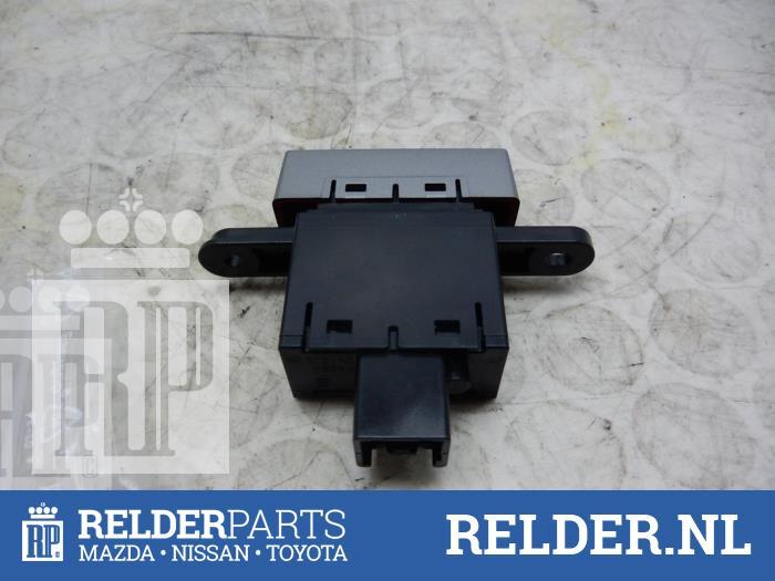 Mazda BT-50 2.5 Di 16V 4x4 2011 Paniekverlichtings Schakelaar (klik op de afbeelding voor de volgende foto)