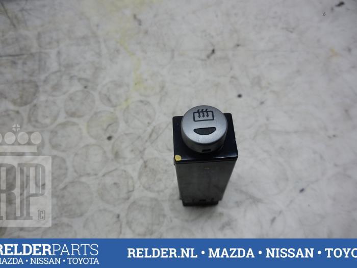 Mazda BT-50 2.5 Di 16V 4x4 2011 Schakelaar (klik op de afbeelding voor de volgende foto)