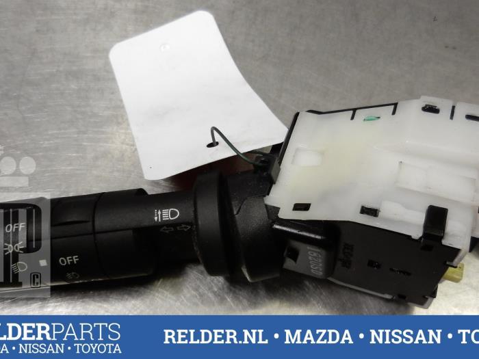 Nissan Navara (D40) 2.5 dCi 16V 4x4 2012 Richtingaanwijzer Schakelaar (klik op de afbeelding voor de volgende foto)
