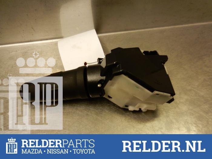 Nissan NV 200 (M20M) 1.5 dCi 86 2010 Schakelaar Ruitenwisser (klik op de afbeelding voor de volgende foto)