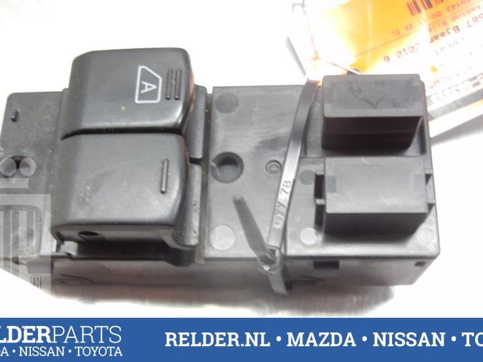 Nissan NV 200 (M20M) 1.5 dCi 86 2010 Raam schakelaar elektrisch (klik op de afbeelding voor de volgende foto)
