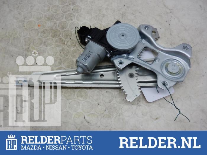 Nissan Juke (F15) 1.6 DIG-T 16V 2013 Ruitmechaniek 4Deurs rechts-achter (klik op de afbeelding voor de volgende foto)