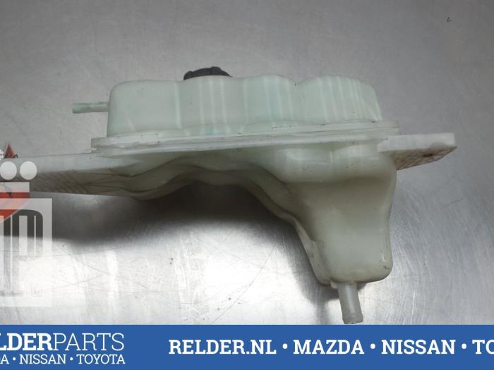 Nissan Juke (F15) 1.5 dCi 2013 Koelvloeistof Reservoir (klik op de afbeelding voor de volgende foto)