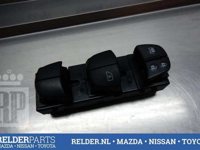 Nissan Juke (F15) 1.5 dCi 2013 Elektrisch Raam Schakelaar (klik op de afbeelding voor de volgende foto)