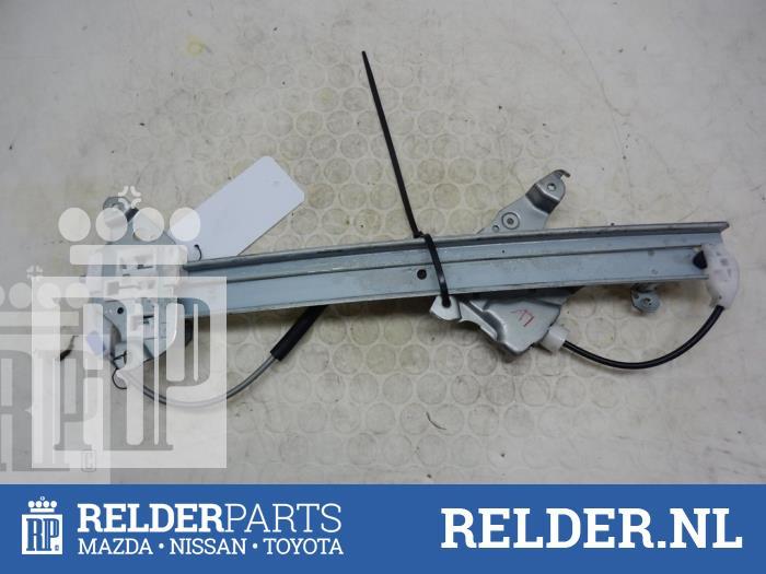 Nissan Juke (F15) 1.6 16V 2012 Ruitmechaniek 4Deurs links-voor (klik op de afbeelding voor de volgende foto)