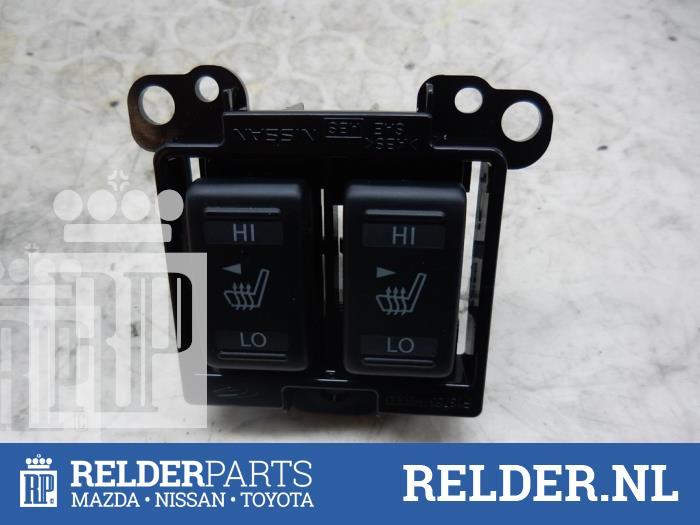 Nissan Juke (F15) 1.6 16V 2013 Schakelaar Stoelverstelling (klik op de afbeelding voor de volgende foto)