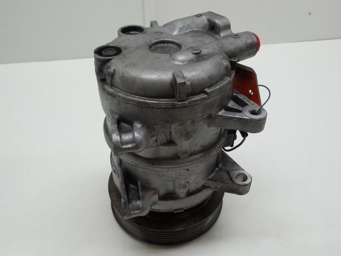 Nissan Patrol GR (Y61) 3.0 GR Di Turbo 16V 2001 Aircopomp (klik op de afbeelding voor de volgende foto)