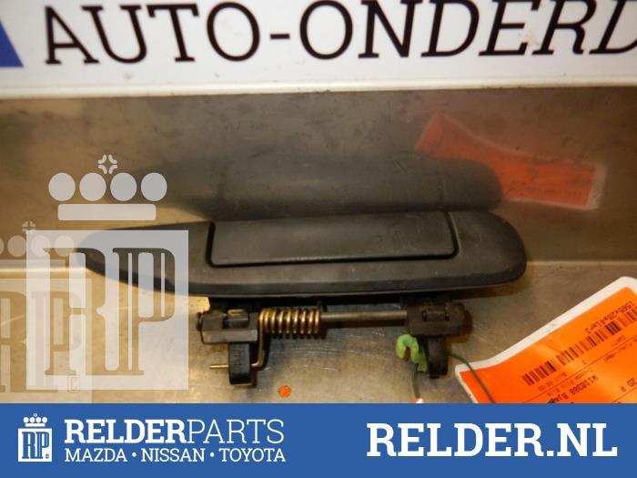 Nissan Patrol GR (Y61) 3.0 GR Di Turbo 16V 2001 Portiergreep 2Deurs rechts (klik op de afbeelding voor de volgende foto)