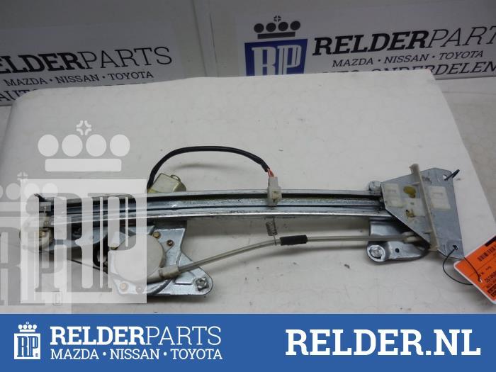 Mazda 626 (GW19) 2.0 DiTD 16V 2001 Raammechaniek 4Deurs rechts-achter (klik op de afbeelding voor de volgende foto)