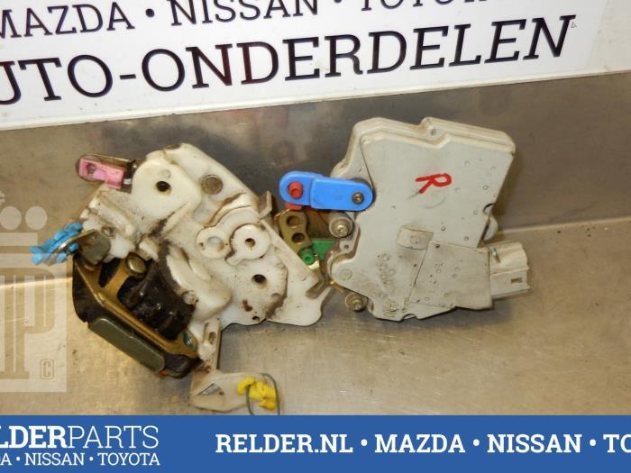 Nissan Patrol GR (Y61) 2.8 GR TDi-6 1999 Portierslot Mechaniek 2deurs rechts (klik op de afbeelding voor de volgende foto)