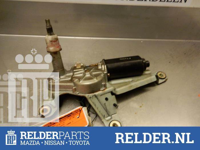 Nissan Patrol GR (Y61) 2.8 GR TDi-6 1999 Ruitenwissermotor achter (klik op de afbeelding voor de volgende foto)