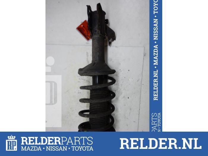 Nissan 100 NX (B13) 1.6 16V 1991 Voorpoot links (klik op de afbeelding voor de volgende foto)