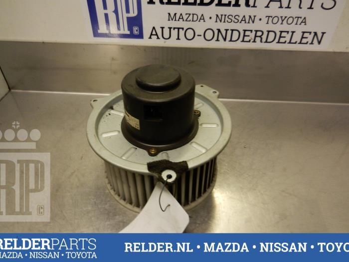 Mazda 626 (GW19) 2.0i 16V GLX 1999 Kachel Ventilatiemotor (klik op de afbeelding voor de volgende foto)
