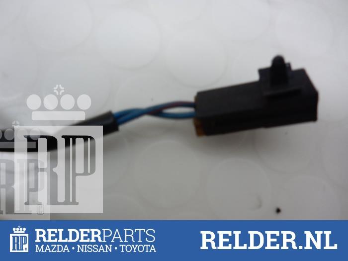 Nissan 200 SX (S13) 1.8 Turbo 16V 1989 Ruitmechaniek 2Deurs rechts-voor (klik op de afbeelding voor de volgende foto)