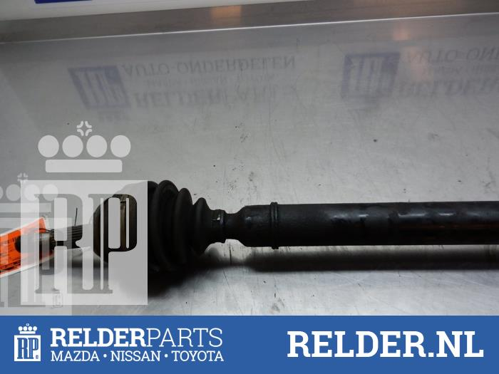 Nissan 100 NX (B13) 1.6 16V 1995 Aandrijfas rechts-voor (klik op de afbeelding voor de volgende foto)