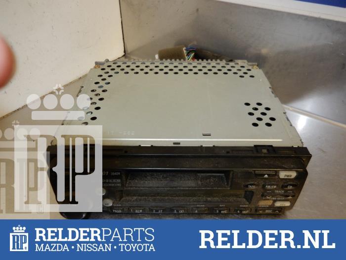 Toyota Celica {ZZT230/231} 1.8i 16V 2002 Radio/Cassette (klik op de afbeelding voor de volgende foto)