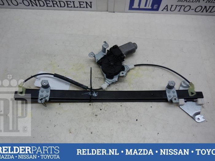 Nissan Navara (D40) 2.5 dCi 16V 4x4 2012 Raammechaniek 2Deurs rechts-voor (klik op de afbeelding voor de volgende foto)