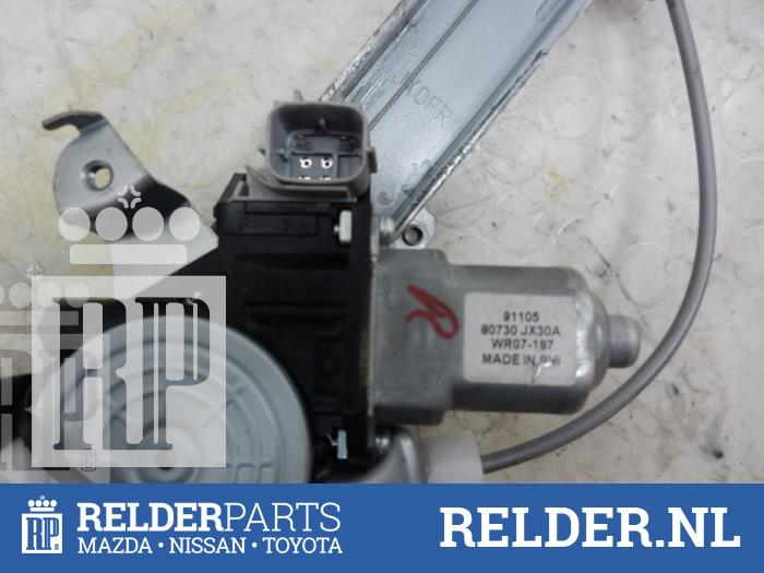 Nissan NV 200 (M20M) 1.5 dCi 86 2010 Raammechaniek 2Deurs rechts-voor (klik op de afbeelding voor de volgende foto)