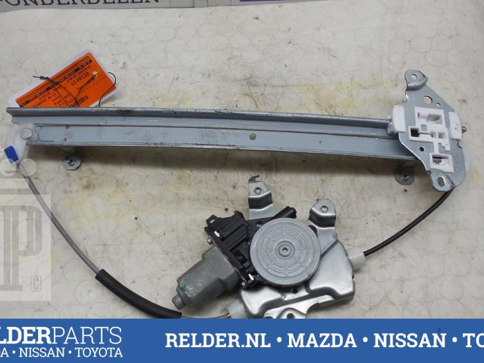 Nissan Juke (F15) 1.5 dCi 2013 Ruitmechaniek 4Deurs links-voor (klik op de afbeelding voor de volgende foto)