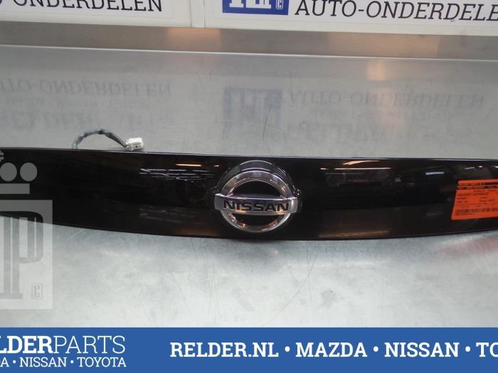 Nissan Juke (F15) 1.6 16V 2013 Achterklep Handgreep (klik op de afbeelding voor de volgende foto)