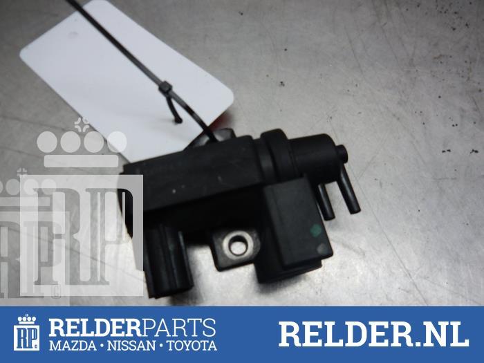 Toyota Avensis (T25/B1D) 2.2 D-4D 16V 2008 Vacuum ventiel (klik op de afbeelding voor de volgende foto)