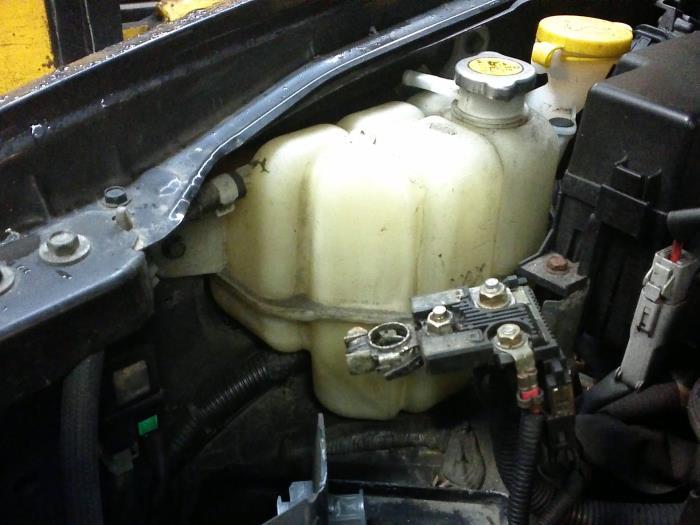Used Koelvloeistof Reservoir for Nissan Navara on Relder Parts
