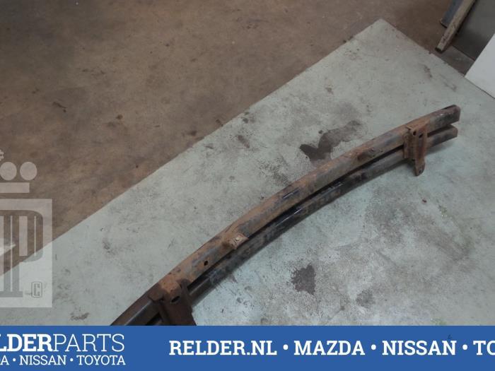 Nissan Navara (D40) 2.5 dCi 16V 4x4 2008 Bumperbalk voor (klik op de afbeelding voor de volgende foto)