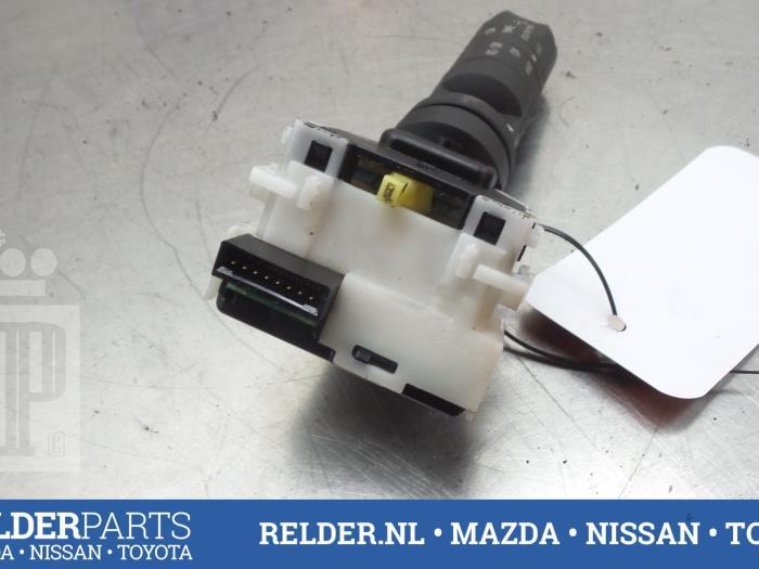 Nissan Navara (D40) 2.5 dCi 16V 4x4 2008 Richtingaanwijzer Schakelaar (klik op de afbeelding voor de volgende foto)