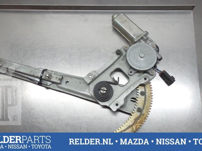 Nissan Patrol 2002 Ruitmechaniek 2Deurs links-voor (klik op de afbeelding voor de volgende foto)
