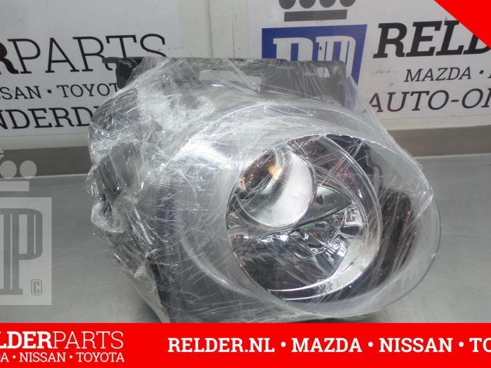 Nissan Juke (F15) 1.6 16V 2015 Koplamp rechts (klik op de afbeelding voor de volgende foto)