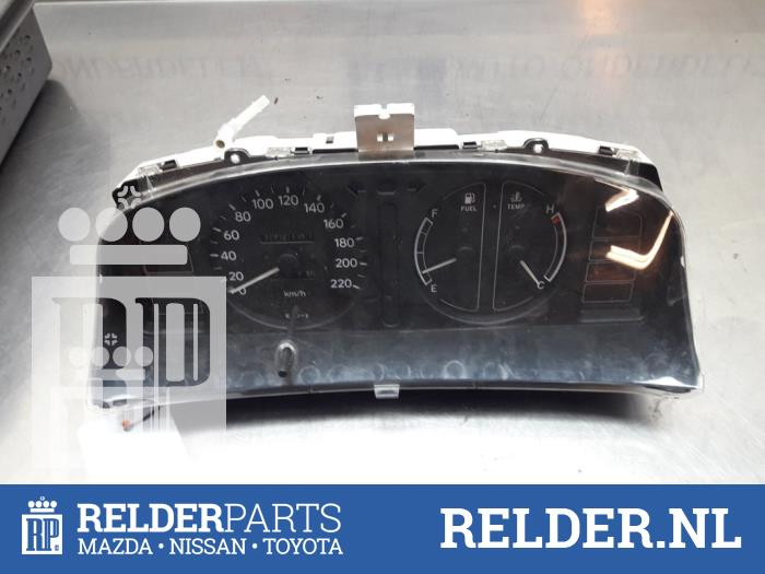 Toyota Corolla (E11) 1.6 16V 1998 Instrumentenpaneel (klik op de afbeelding voor de volgende foto)
