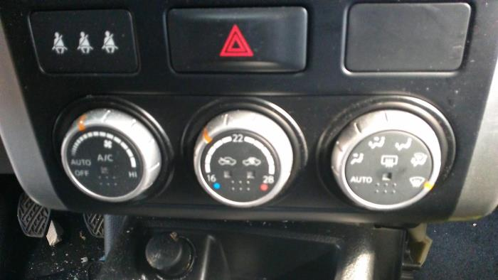 Nissan X Trail T31 2 0 Xe Se Le Dci 16v 4x2 Heater Control Panel