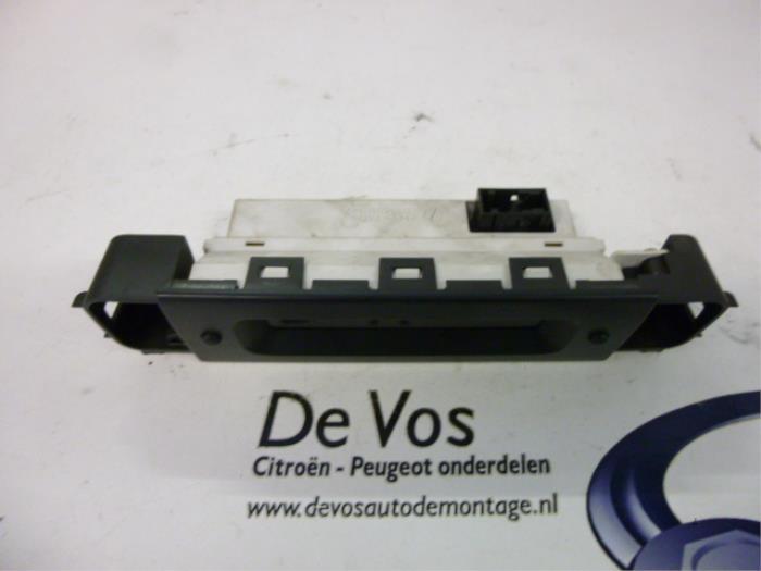 Gebruikte peugeot 406 display interieur 6155pg rfv de for Peugeot 406 interieur