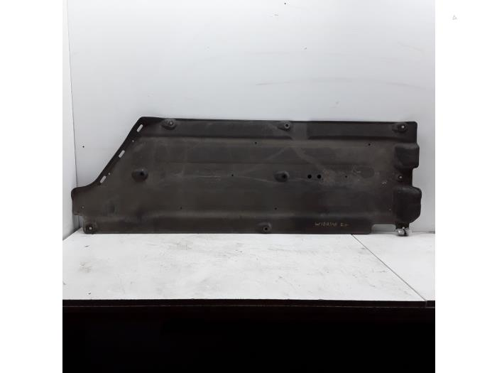 Motor Beschermplaat - 17711761-fa7e-41e5-99f9-4f013dc76f40.jpg