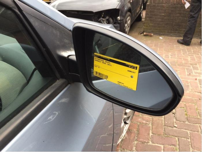 Buitenspiegel rechts van een Daewoo / Chevrolet Cruze 1.6 16V 2011