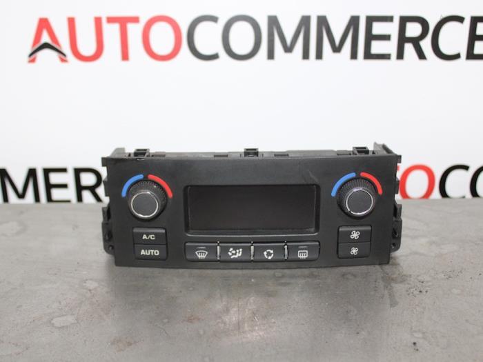 Kachel Bedieningspaneel van een Peugeot 207/207+ (WA/WC/WM) 1.4 16V Vti 2012