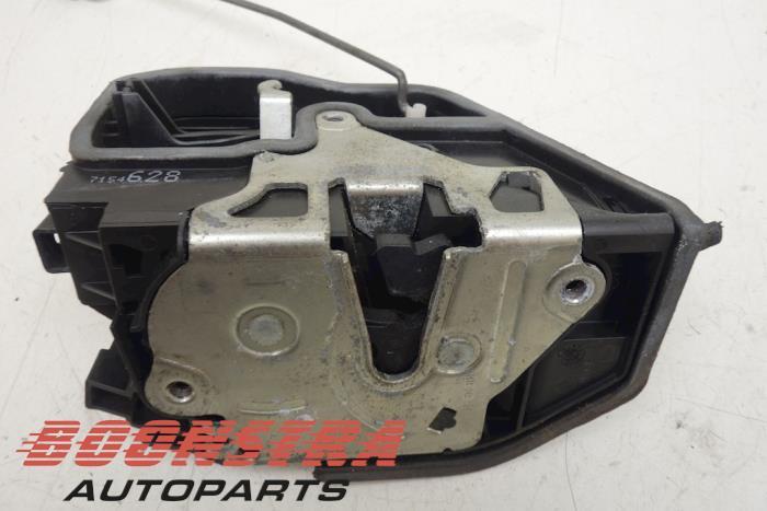 Front door lock mechanism 4-door, right BMW 5-Serie (7154628)