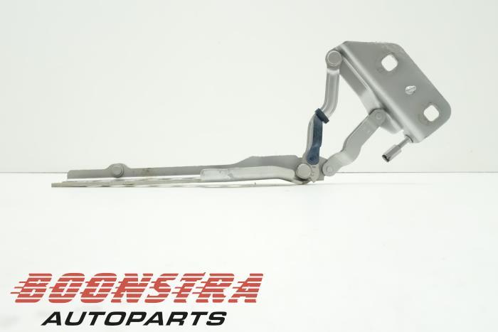 Audi A8 Motorkap Scharnier
