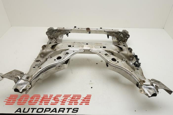 Subframe van een BMW 5 serie Touring (F11) 535i xDrive 24V TwinPower Turbo 2011