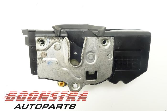 Front door lock mechanism 4-door, right Chevrolet Avalanche (R2578921)