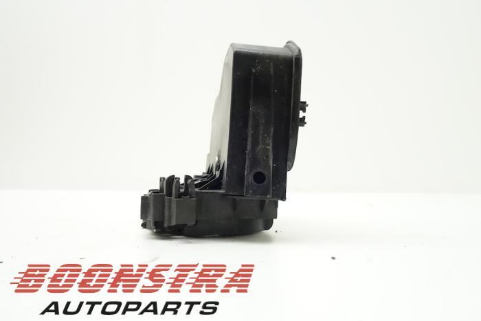 Front door lock mechanism 4-door, right BMW 5-Serie (51217202144)