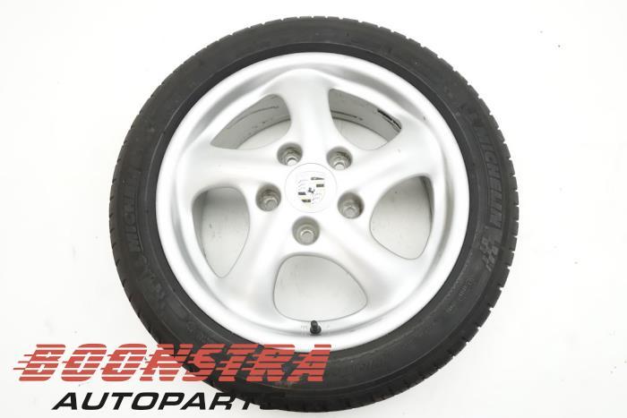 Porsche Boxster Felge + Reifen