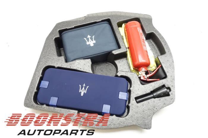 Maserati Ghibli Wagenheber- Set