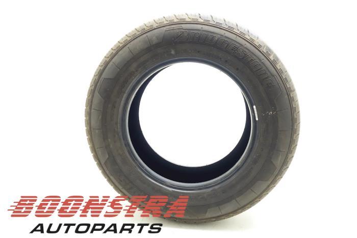 Bridgestone 215/65 R15 900T (Zomerband)