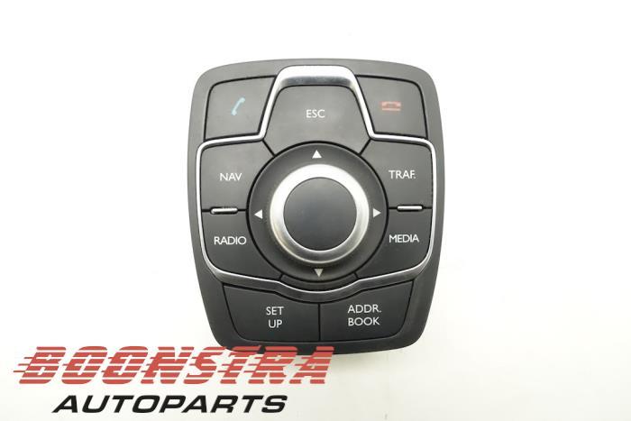 Peugeot 508 Navigatie bedienings paneel