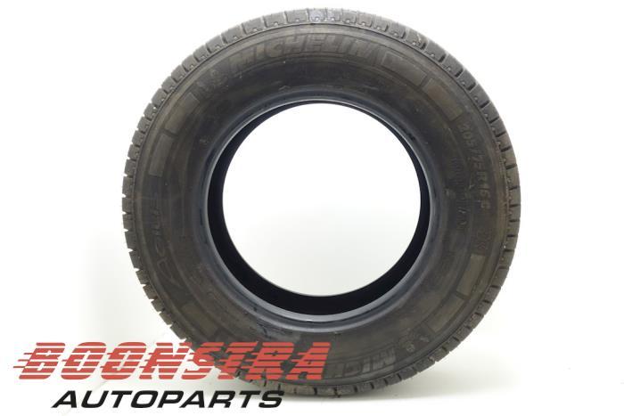 Michelin 205/75 R16 108R (Zomerband)