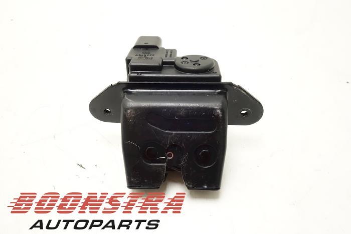 Kia Picanto Boot lid lock mechanism