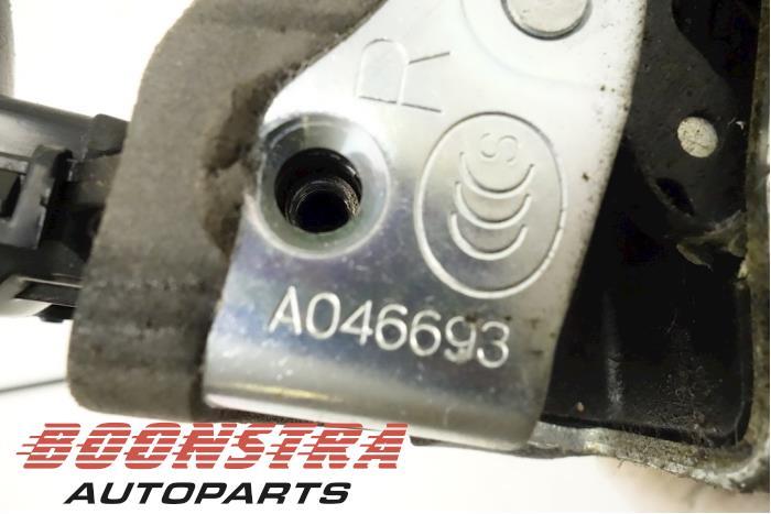 Front door lock mechanism 4-door, right Toyota Auris (A046693, 7020206, 6903012490)