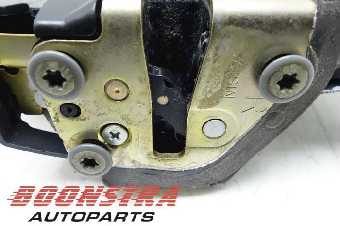 Front door lock mechanism 4-door, right Suzuki Grand Vitara (5D0204, 8221065J51, 8221065J21, 8221065J11, 8221065J61)